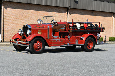 2021 Chesapeake Antique Fire Apparatus Association (CFAA) June muster at the Pleasant Valley VFC in Carroll County, Maryland.  Red Lion, PA 1935 Seagrave Suburbanite 500/150 s/n 79170
