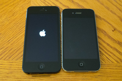 New iPhone5 64Gb on left,   old iPhone4 32Gb on right.