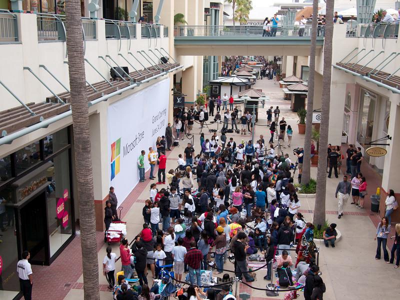 Microsoft Store Four Crowd