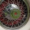 Duesenberg knock-off hub on wire wheels.  Huge drum brakes.