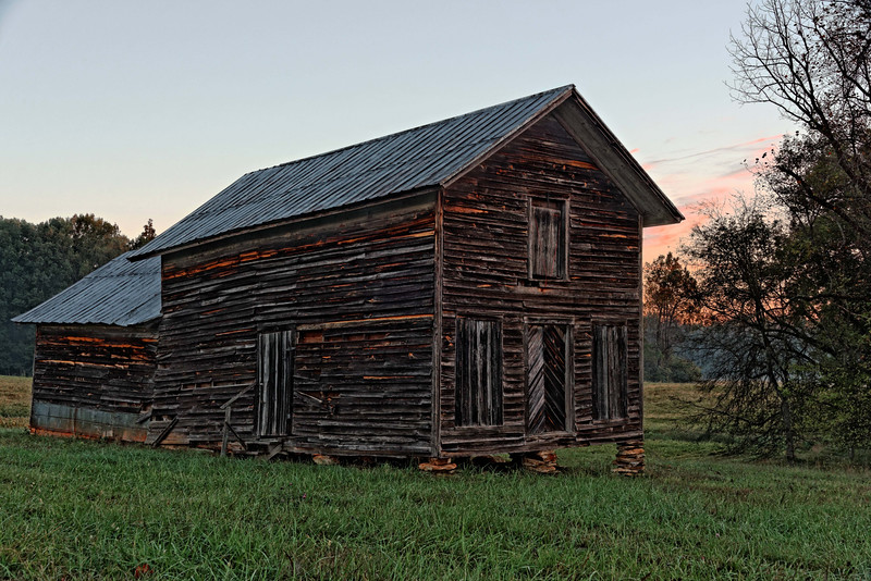 Barn on Hwy 157 at sunrise