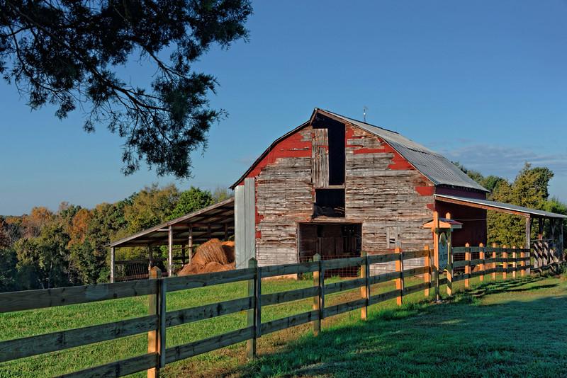 Cox Farm Barn - Leesburg