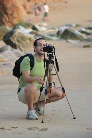 """<strong>Bruno Sequeira</strong>    <a href=""""http://www.lookupphoto.com/Photographers/Bruno-Sequeira"""">Portfólio pessoal</a>  <a href=""""http://olhares.sapo.pt/Twox"""">Olhares</a>  <a href=""""http://www.facebook.com/bruno.sequeira.12"""">Facebook</a>"""