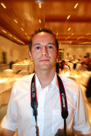 """<strong>Tiago Sequeira</strong>  Encontrei na fotografia a única forma de marcar o presente e voltar ao passado.  Convido-vos a visitar o meu portfólio pessoal: <a href=""""http://www.lookupphoto.com/Photographers/Tiago-Sequeira"""">Portfólio pessoal</a>  <a href=""""http://www.olhares.com/tsequeira"""">Olhares</a>  <a href=""""http://www.facebook.com/tiago.m.sequeira"""">Facebook</a>"""