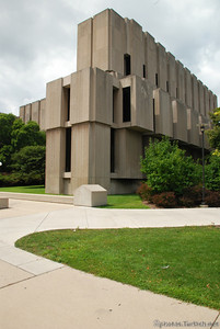 The Regenstein Library at the University of Chicago.