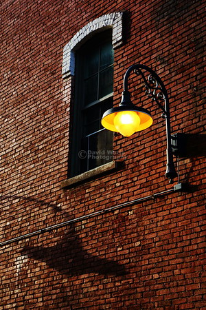 Alley Lamp