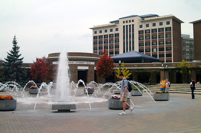 dede_plaza_fountain_high_res_campus3 1