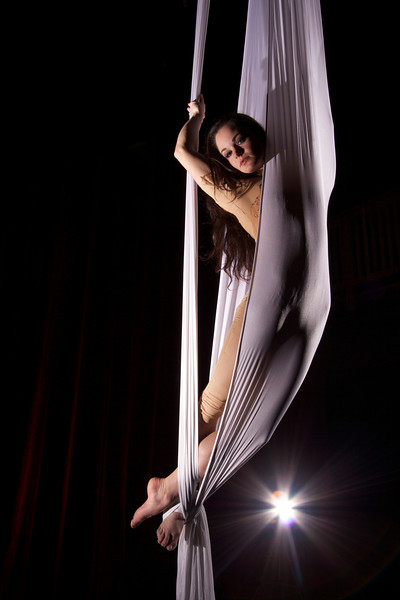 aerial silk, <br /> Cirque du soleil style performance by Tanya Bruno from Emerald city trapeze