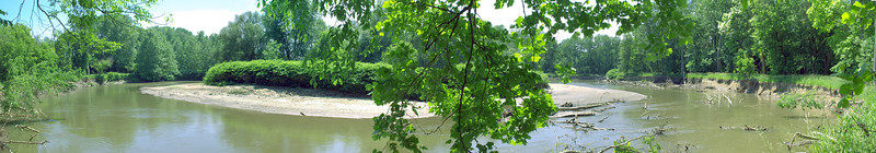 cuyahoga river at towpath mile 19