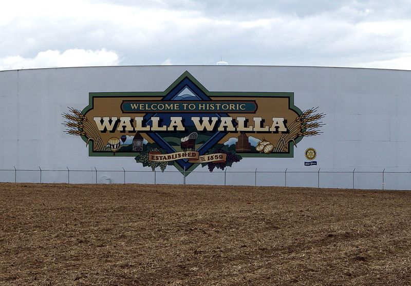 Welcome To Walla Walla.  Featuring Wheat, Wine Grapes, <br /> Walla Walla Sweet Onions, Whitman College, Marcus Whitman Hotel, Balloon Stampede