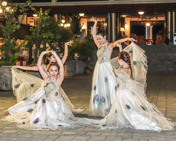 VICTORIA HOTEL, DANCERS.