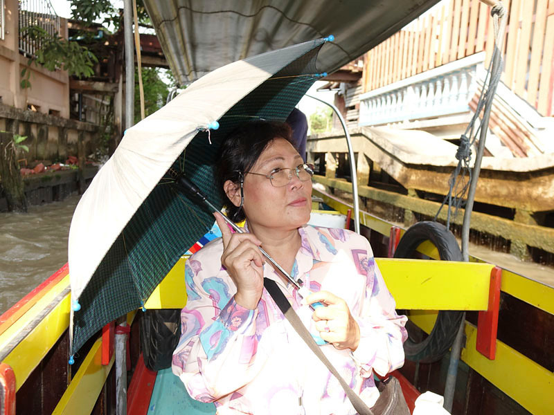 """Cathy, our guide in Bangkok, or, as i called her """"The Dragon Lady""""!"""
