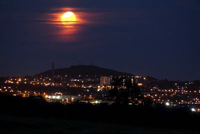 Moon rising over Dundee. 11.10pm, 15/07/14