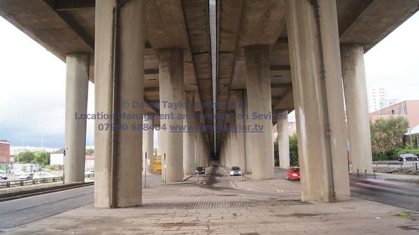 Under Kingston bridge - 12
