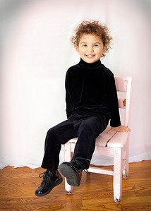 photo audra sitting in chair full 5x7
