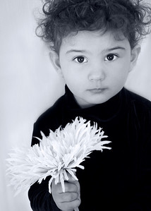 photo audra w flower BW 5x7