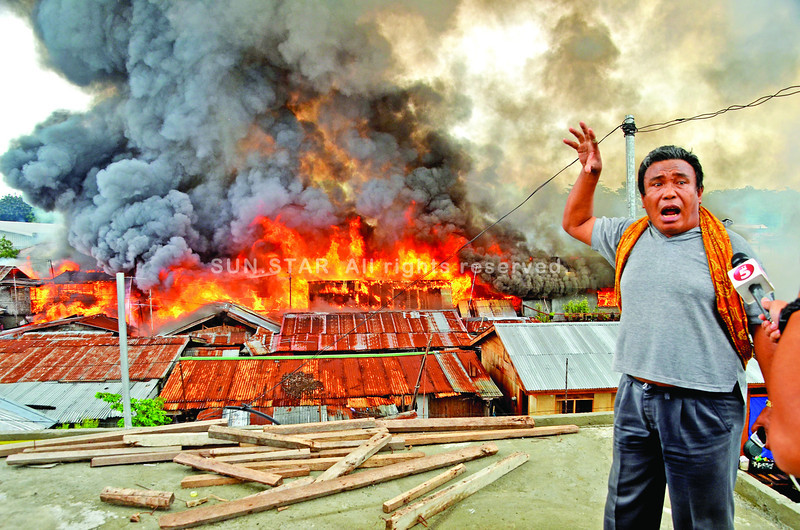 Fire burns houses at Sasa, Davao City