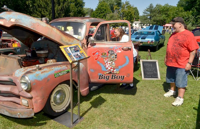 August Saratogian - Thomas chevy car show
