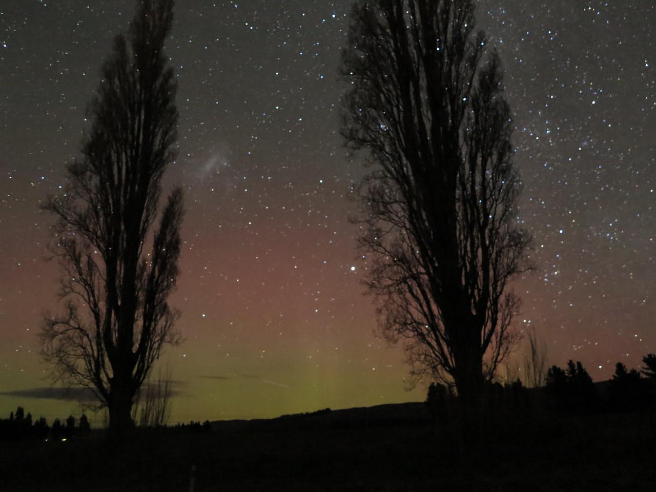Aurora australis fading a bit