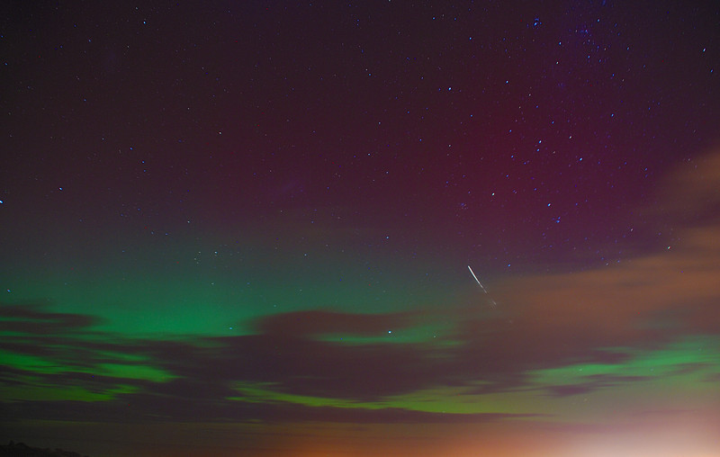 Aurora Australis over  Dunedin. 15 July 2012, 9:45pm. Signal Hill.