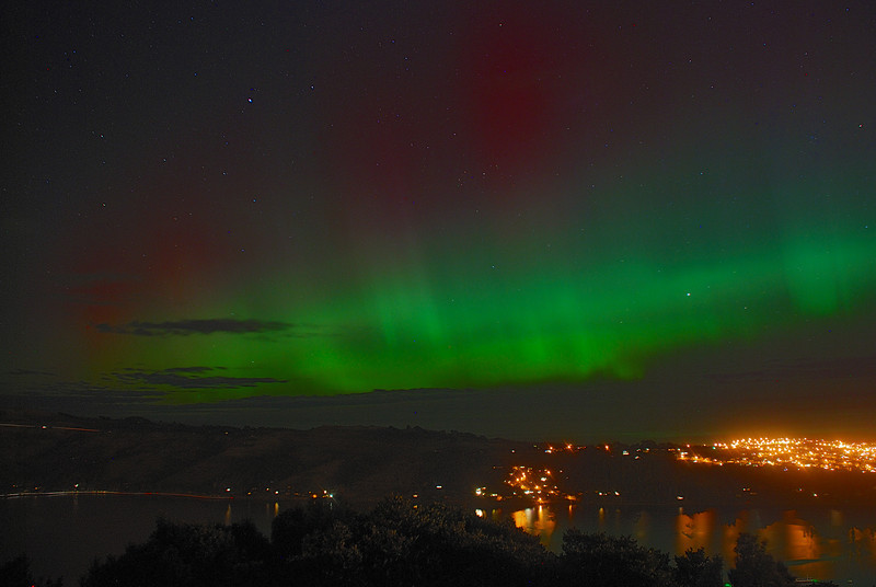 Aurora Australis over  Dunedin Harbour. 15 July 2012, 10:58pm. Signal Hill.