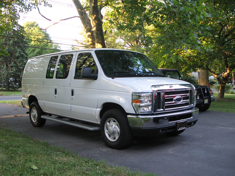 The new Roberts family hauler.   I'm gonna miss my stick shift, but they just don't make a van with a stick.  Other than that, the van is real clean; took delivery earlier this week with 8,200 miles on the clock.