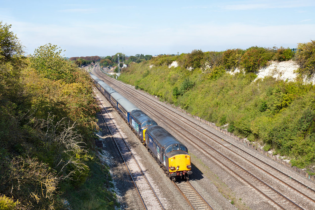 Not the photo that I had intended to take! 37607&37608 thunder through the cutting at Cholsey with the 1Z59 05.45 Glasgow Central-Southampton Western Docks Cruise saver express.2.9.11