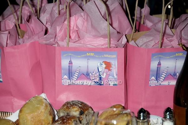 gift bag<br /> photo by Rob Rich © 2009 robwayne1@aol.com 516-676-3939