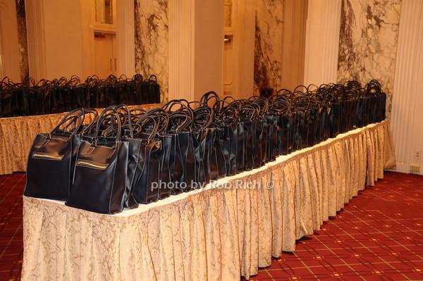 gift bags<br /> photo by Rob Rich © 2009 robwayne1@aol.com 516-676-3939