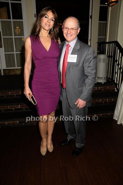 Elizabeth Hurley, Larry Norton<br /> photo by Rob Rich © 2009 robwayne1@aol.com 516-676-3939