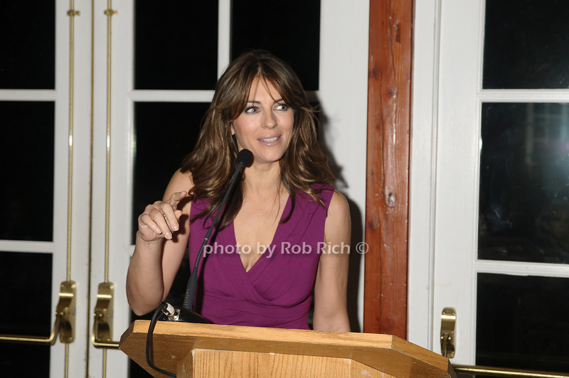 Elizabeth Hurley<br /> photo by Rob Rich © 2009 robwayne1@aol.com 516-676-3939