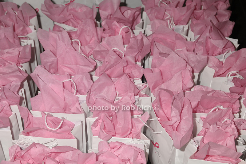 gift bags<br /> photo by Rob Rich © 2009 robwayne1@aol.com 516-676-3939