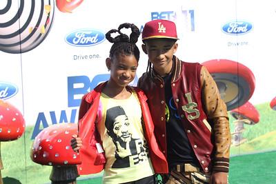 Willow (L) & Jaden Smith (R)