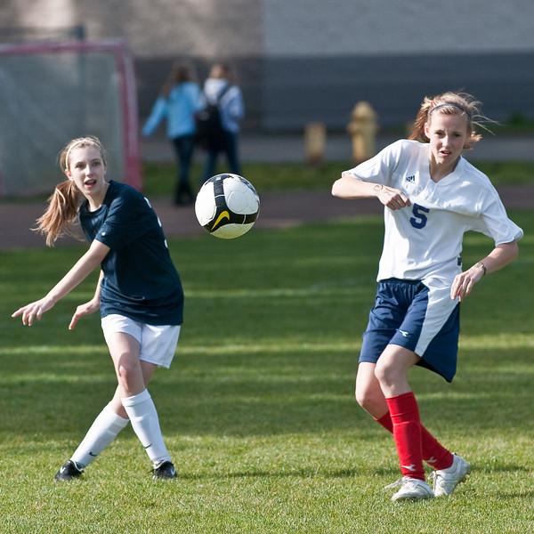 BLMS Soccer-032510-6825