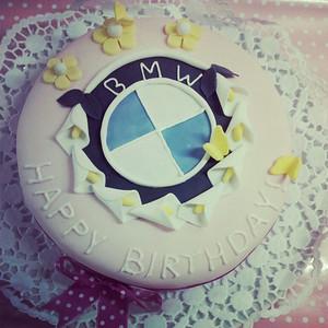 BMW B Cakes