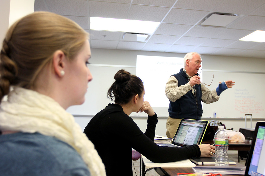 Boston University broadcast journalism professor R.D. Sahl briefs B.U. students involved in covering President Obama's second inauguration on January 19 in Washington D.C. (Michael Cummo/ Boston University News Service)