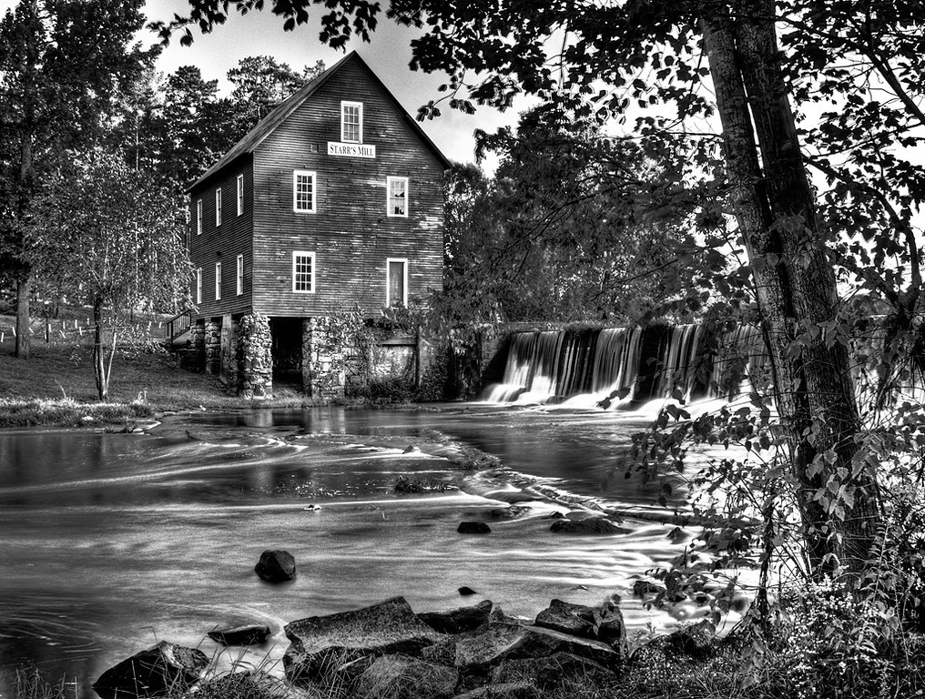 Starr's Mill in B&W
