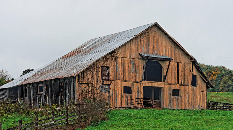 Yellow Barn on Ft. Criswell Road
