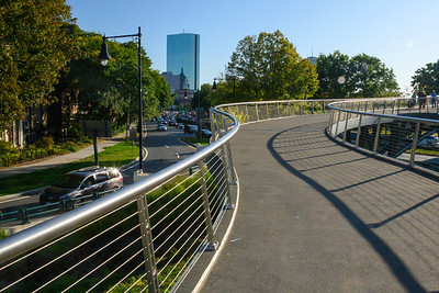 Pedestrian bridge to Esplinade