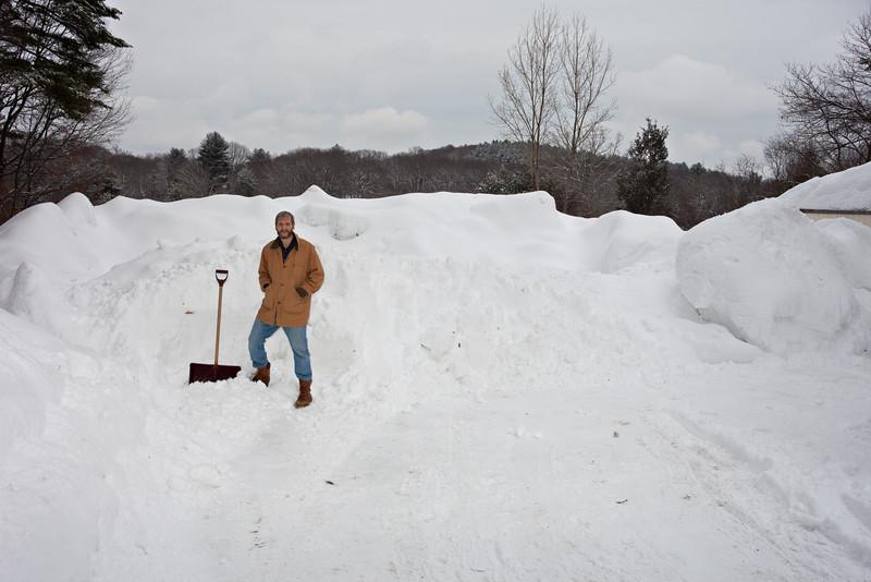 Snowmageddon 2/2015:      C/Y 35-70 at 35mm, fill flash