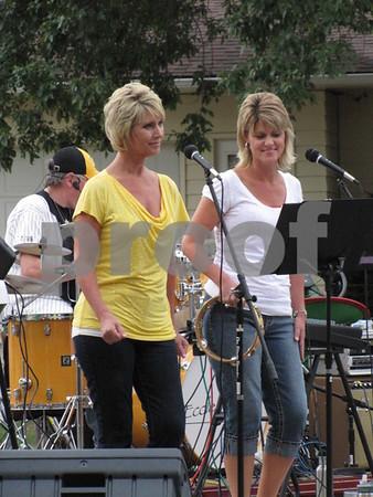 Sisters Lori Tomke and Jenny Larson.