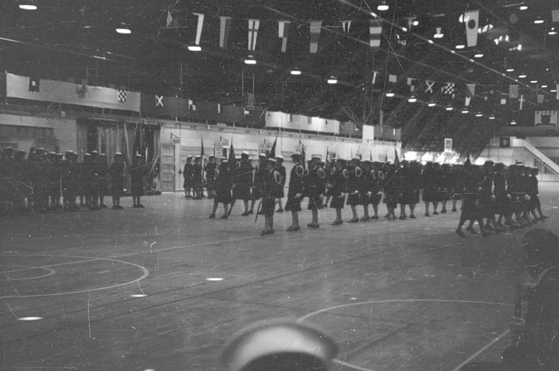 Photos courtesy of Spanish Petty Officer Manuel Borja, who trained at USNTC BAINBRIDGE from 1963 to 1964, attending Fire Control School.<br /> <br /> WAVES drill team at USNTC Bainbridge indoor drill hall.