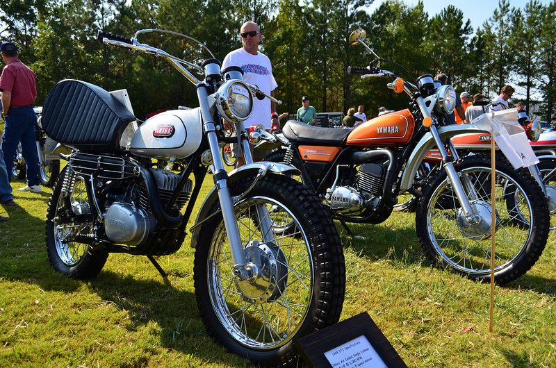 Had one of these in 1971.  It was like the white one, but with a red tank.