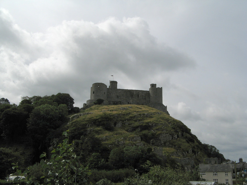 "Here's our first view of Harlech Castle, from the train station.  <a href=""http://en.wikipedia.org/wiki/Harlech_Castle"">Harlech Castle on Wikipedia</a>."