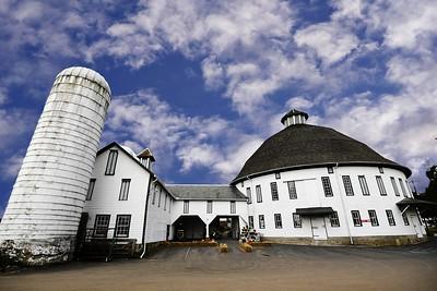 Round Barn Farm Market