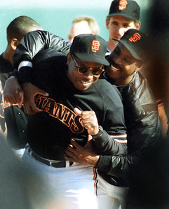 Barry Bonds gets playful with manager Dusty Baker at Spring Training in Scottsdale, Arizona, 1993.  Hayward Daily Review/Dino Vournas