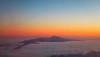 Vulkanen Teide som stikker opp fra skyene. Det første glimt av Tenerife.