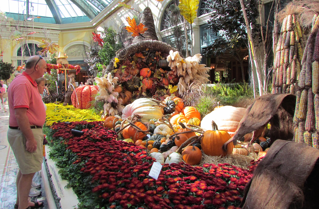 The grand atrium of the Bellagio Hotel in Las Vegas - all dressed up for the autumn.