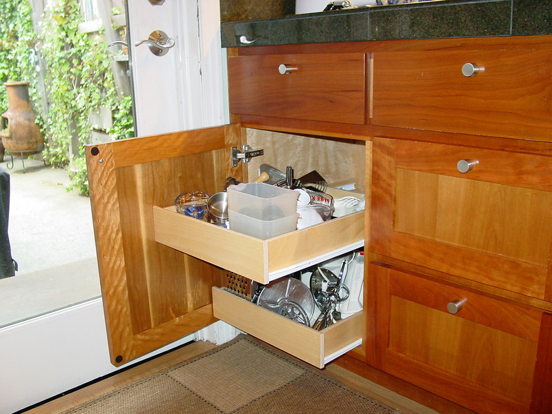 "Lower Cabinet with ""Pullout Shelves"""