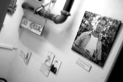 Jack Kerouac...Na cestě, Big Sur...Allen Ginsberg...Kvílení...Charles Bukowski...Všechny řiti světa i ta má...Beat museum in San Francisco.